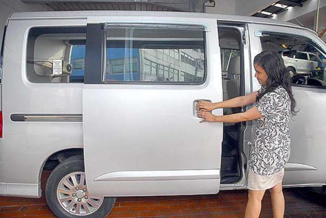 Panel Pintu Mobil Grand Max